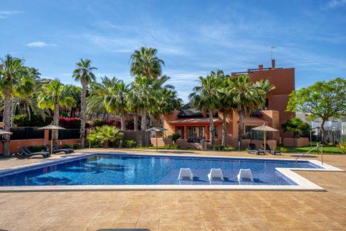 300 HD Swimming Pool