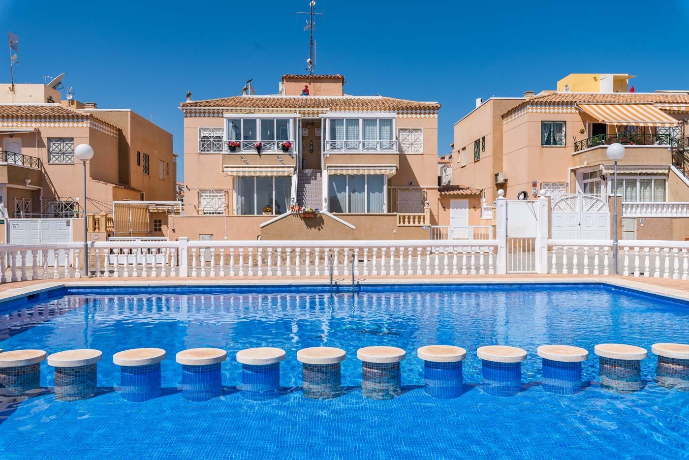 swimming-pool-spain-aguas-nuevas